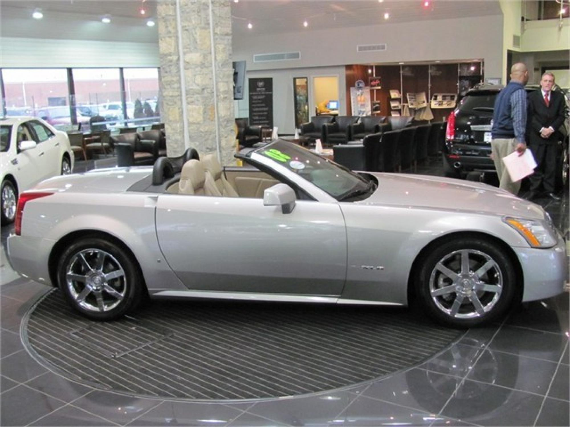 sale convertible passion red img cadillac xlr used for rwd limited